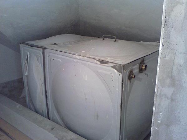 泡崖别墅玻璃钢水箱